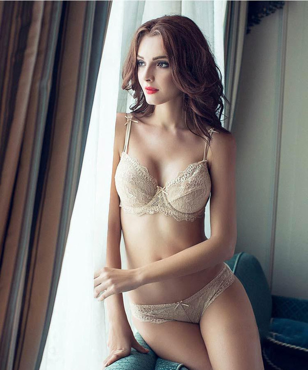 Adjustable Thin Cup Lingerie Set – Intimates Fit Style 3a3e7148c